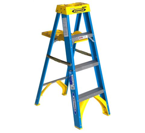 Fiberglass Stepladder with Pail Shelf